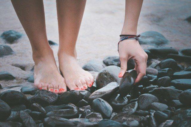 Skuteczna pielęgnacja stóp: jakie składniki mogą pomóc?