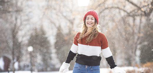 Sweterek damski na pięć sposobów