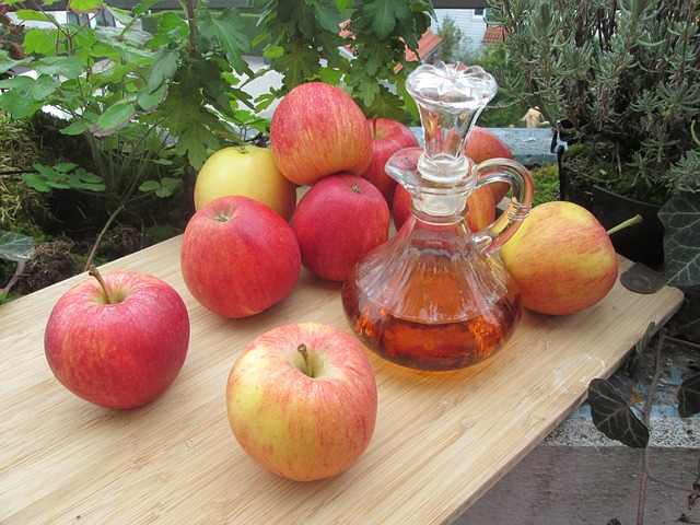 Ocet jabłkowy: jak wpływa na skórę?