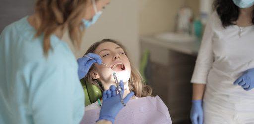 Znieczulenie stomatologiczne – skutki uboczne i przeciwwskazania
